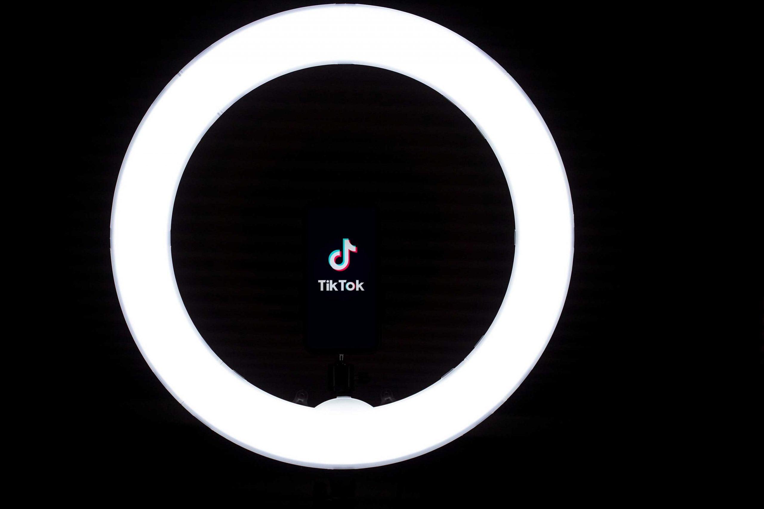 lampada per tiktok